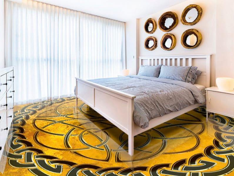 Напольное покрытие с орнаментом КЕЛЬТСКИЙ УЗЕЛ ЗАЩИТЫ на желтом в интерьере спальни