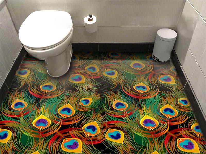 Напольное покрытие с рисунком Обои, Линолеум ПАВЛИНЬИ ПЕРЬЯ в интерьере туалета