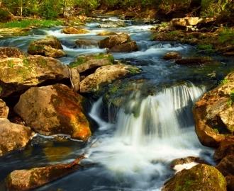 """Линолеум с рисунком """"Водопад, большие камни""""  купить"""