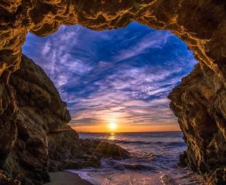 """Плитка с рисунком """"Закат, небо, солнце, ущелье, море"""""""