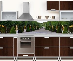 "Фартук для кухни ""Парк с золотыми скульптурами"""