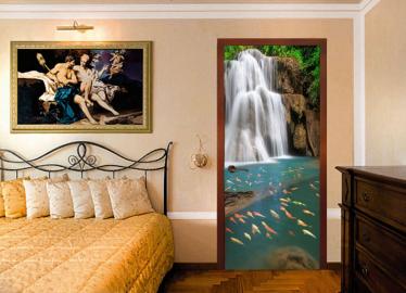 """Обои с рисунком на дверь """"Водопад в лесу, форель"""". Дизайн двери комнаты в интерьере"""