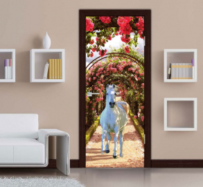 Обои с рисунком на дверь БЕЛАЯ ЛОШАДЬ ЦВЕТЫ. Дизайн двери комнаты в интерьере