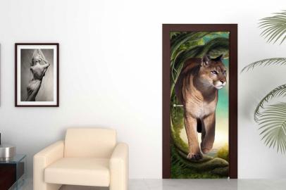 Обои с рисунком на дверь ДЕРЕВО ЛЬВИЦА Дизайн двери комнаты в интерьере