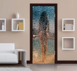 Обои с рисунком на дверь СТЕКЛО КАПЛИ ДЕВУШКА БАССЕЙН Дизайн двери комнаты в интерьере
