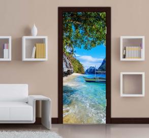 Обои с рисунком на дверь ПРИЧАЛ ГОРЫ ЛОДКА Дизайн двери комнаты в интерьере