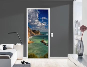 Обои с рисунком на дверь БЕРЕГ ОКЕАН СКАЛЫ Дизайн двери комнаты в интерьере
